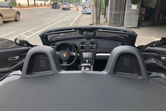 Selling Porsche Boxster 2016