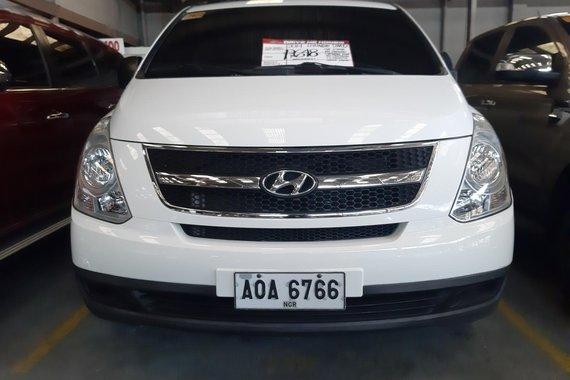 Selling second hand 2014 Hyundai Starex Van