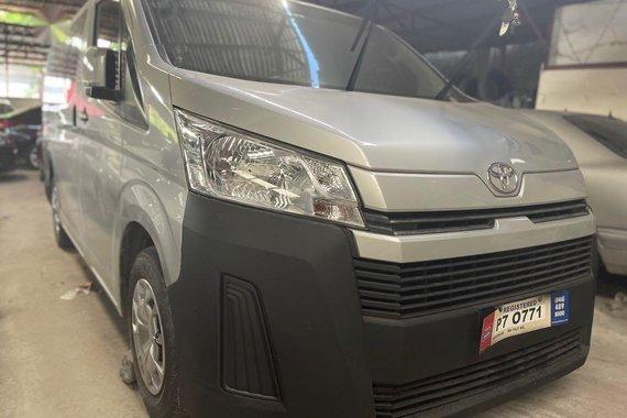 Selling Toyota Hiace 2020