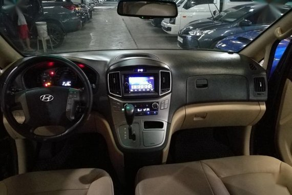 Selling Hyundai Grand Starex 2016