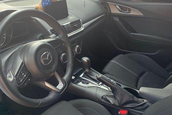 Selling Mazda 3 2017