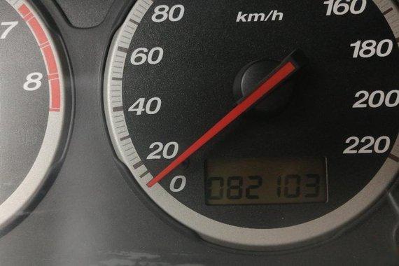 Selling Pearl White Honda CR-V 2005 in Manila
