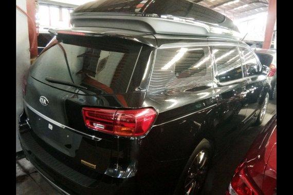 Selling Kia Carnival 2021 Minivan at 19 in Quezon City