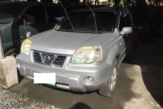 Selling used Silver 2007 Nissan X-Trail SUV / Crossover by trusted seller