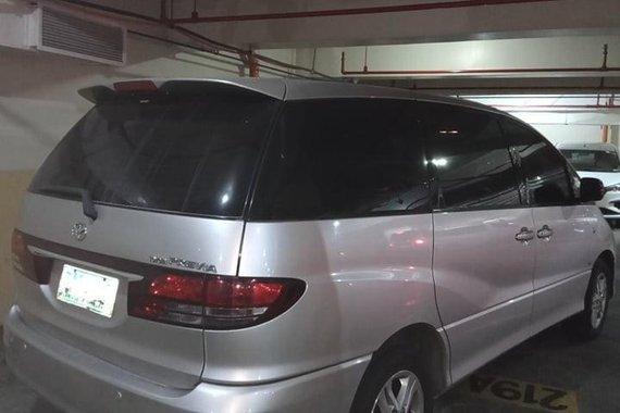 Selling Silver Toyota Previa 2005 in Manila