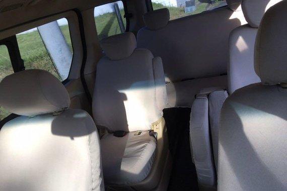 Selling Hyundai Grand Starex 2012