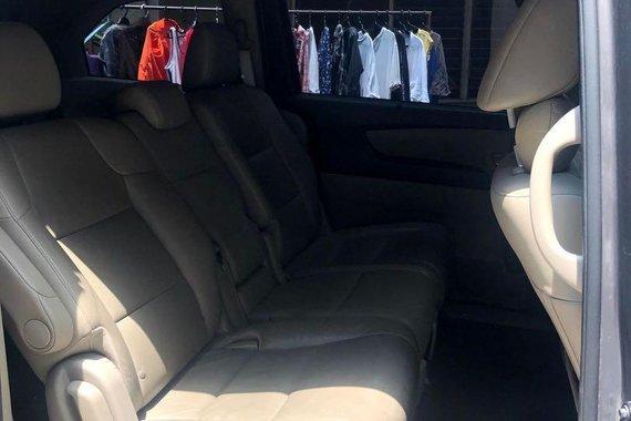 Selling Honda Odyssey 2012
