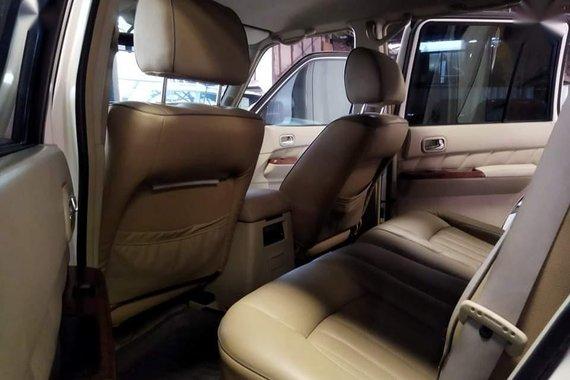 Selling White Nissan Patrol Super Safari 2010 in Pasig