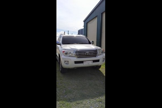 Selling Toyota Land Cruiser 2015 SUV Automatic at 57000 in Parañaque