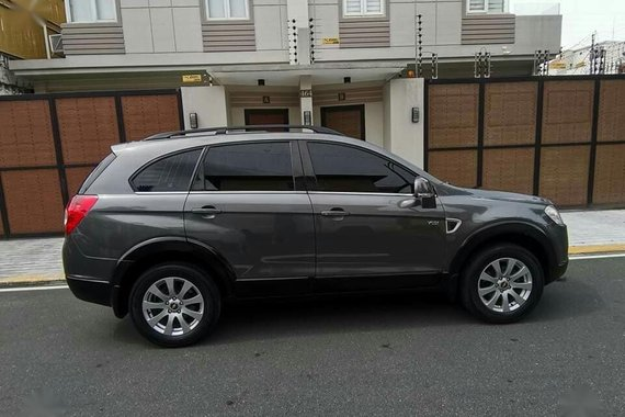 Grey Chevrolet Captiva 2009 for sale in Mandaluyong