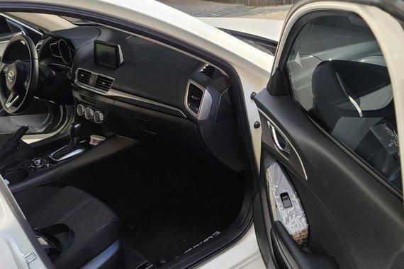 White Mazda 3 2018 for sale in Pasig