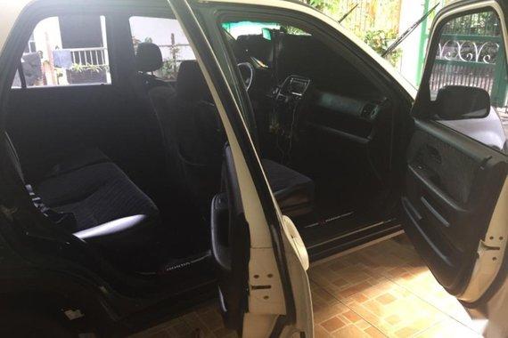 White Honda Cr-V 2003 for sale in Baguio