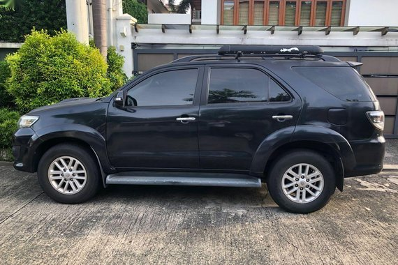 Selling 2013 Toyota Fortuner in Makati