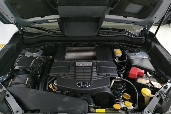 Selling Brightsilver Subaru Forester 2017 in Jaen
