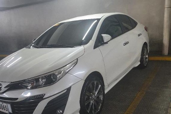 Sell White Toyota Vios in Caloocan
