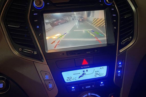 Selling White Hyundai Santa Fe 2015 in Santa Rosa