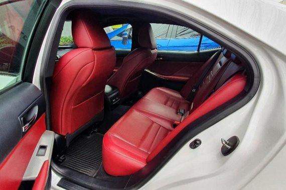 Selling White Lexus IS350 2014 in Quezon