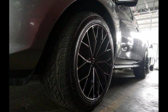 Selling Silver Mazda Cx-7 2010 in Marikina