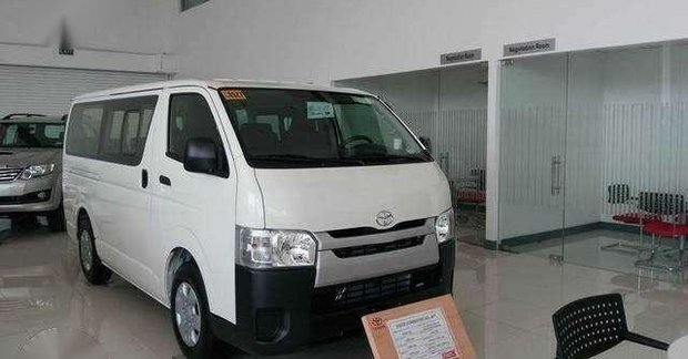 f1670f5a82 TOYOTA HIACE COMMUTER DIESEL M T 2018 EURO 4 for sale 334496