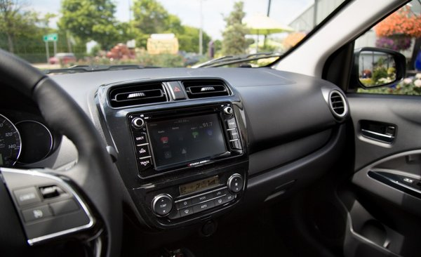 2017 Mitsubishi Mirage G4 touchscreen