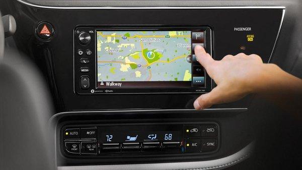 Toyota iM 2017's touchescreen