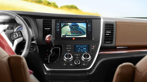2017 Toyota Sienna's touchscreen