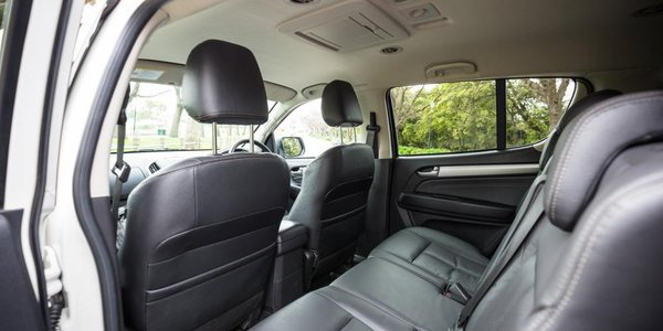 2016 Isuzu Mu-X back seats