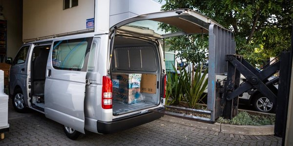2016 Toyota HiAce top-hinged rear door